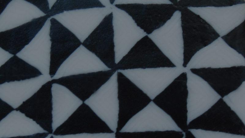Kerzenmuster Geometry schwarz-weiss. Handgemachte Designkerzen. Kerzen Onlineshop.