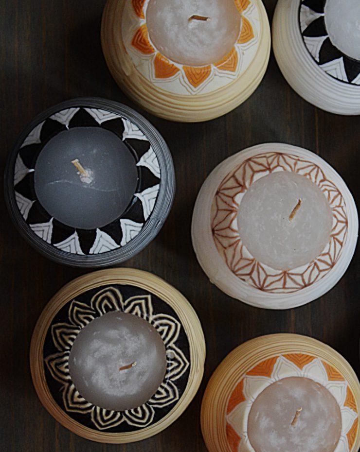 Kerzenset Modell White Lines, Farbe: multi, Form: Pot. Handgemachte Designkerze. Kerzen online kaufen