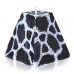 Kerze Modell Ebonygiraffe, Farbe: Tierfelloptik, Form: Pyramide. Handgemachte Designkerze. Kerzen online kaufen