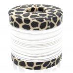 Kerze; Swazi Candle; Form: Pillar XL ca. 11cmx10,5cm; Gewicht: ca. 830g; Farbe: eleganter weisser Bambus eingerahmt von wunderschönem Animalprint
