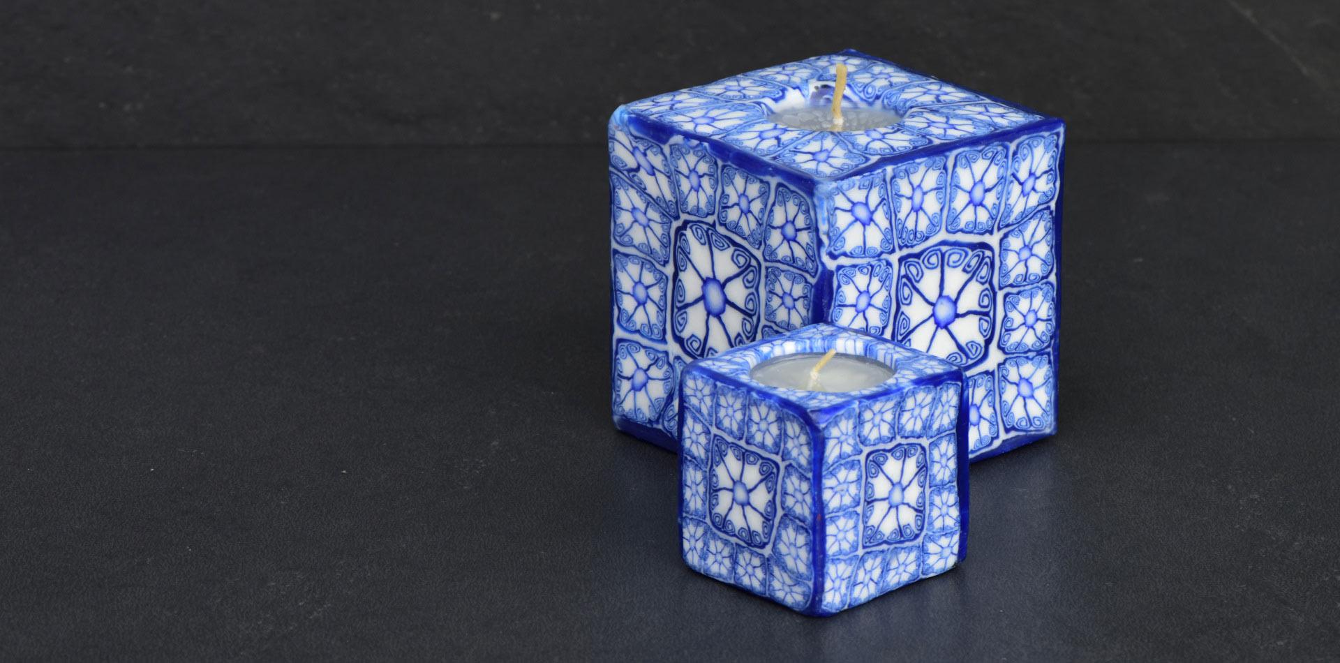 Kerzenset Modell Delft, Farbe: blau-weiss, Form: Würfel. Handgemachte Designkerze. Kerzen online kaufen