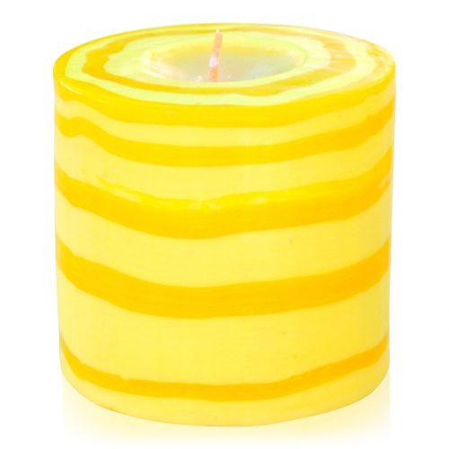 Kerze; Swazi Candle; Form: Pillar L ca. 9cmx9cm; Gewicht: ca. 470g; Farbe: gelb; peppiges gestreiftes Lollipopmuster