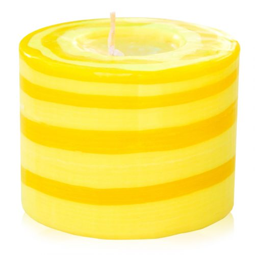 Kerze; Swazi Candle; Form: Pillar M ca. 7cmx9cm; Gewicht: ca. 380g; Farbe: gelb; peppiges gelbes Lollipopmuster