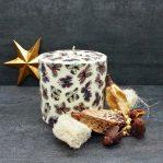 Kerze; Swazi Candle; Form: Pillar XL ca. 11cmx10,5cm; Gewicht: ca. 830g; Farbe: beige, tanzende Schmetterlinge auf beigem Hintergrund; Dekoration von Blueowl